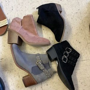 4 pairs of booties